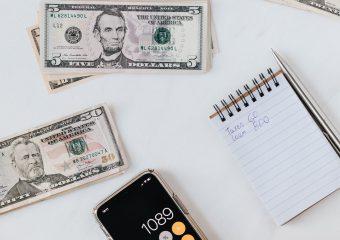 De loonadministratie zelf doen of uitbesteden?